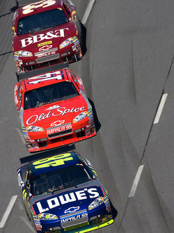 Jimmie Johnson, Hendrick Motorsports Chevrolet, Tony Stewart, Stewart-Haas Racing Chevrolet, Clint Bowyer, Richard Childress Racing Chevrolet