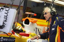 Flavio Briatore, Renault F1 Team, Team Chief, Managing Director, Fernando Alonso, Renault F1 Team