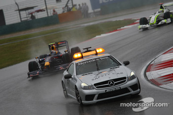 Early race action behind the safety car