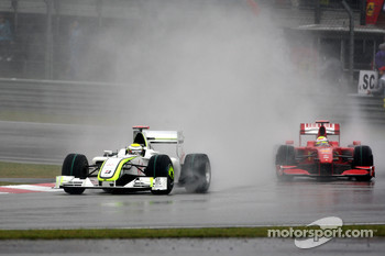 Jenson Button, Brawn GP leads Felipe Massa, Scuderia Ferrari