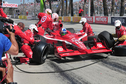 Dario Franchitti, Target Chip Ganassi takes on fuel and tires