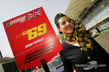Grid girl for Johnny Herbert JMB