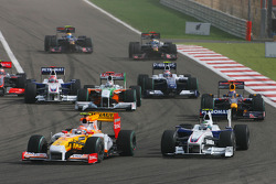 Start: Nelson A. Piquet, Renault F1 Team and Nick Heidfeld, BMW Sauber F1 Team