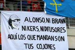 Banners in the crowd for Fernando Alonso, Renault F1 Team