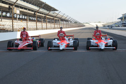 Front row shoot: the front row for the 93rd Indianapolis 500, Helio Castroneves, Penske Racing; Ryan Briscoe, Penske Racing; Dario Franchitti, Target Chip Ganassi Racing