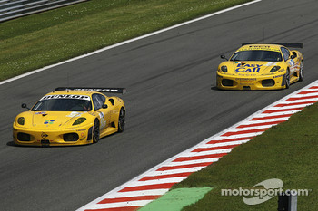 #92 JMW Motorsport Ferrari F430 GT: Robert Bell, Gianmaria Bruni; #81 Easyrace Ferrari F430 GT: Maurice Basso, Roberto Plati, Gianpaolo Tenchini