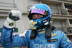 Race winner Robert Huff, Chevrolet, Chevrolet Cruze