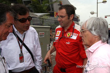 Stefano Domenicali, Scuderia Ferrari Sporting Director and Bernie Ecclestone goes to the FOTA meeting on Flavio Briatore yacht
