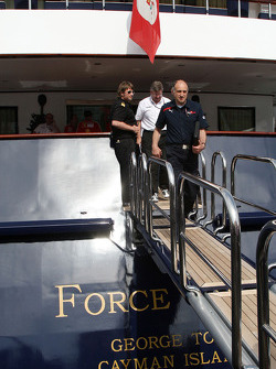 Franz Tost, Scuderia Toro Rosso, Team Principal, Ross Brawn Brawn Grand Prix Team Principal leave the FOTA meeting on the boat of Flavio Briatore, Renault F1 Team, Team Chief, Managing Director