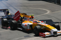 Sebastien Buemi, Scuderia Toro Rosso and Nelson A. Piquet, Renault F1 Team crashes
