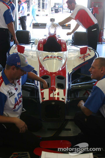 Work on the #14 A.J. Foyt Enterprises car of A.J. Foyt IV