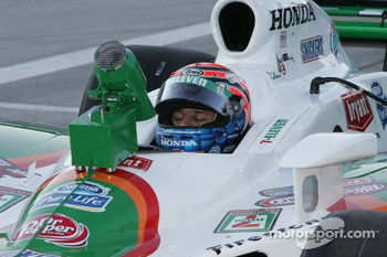 Tony Kanaan, Andretti-Green Racing rest during a break in practice at Texas Motor Speedway