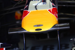 New nose cone of Sebastian Vettel, Red Bull Racing
