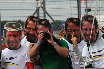 Fans of Jenson Button, Brawn GP