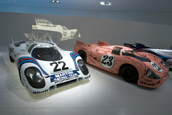 1971 Porsche 917 KH Coupé and 1971 Porsche 917/20 Coupe_
