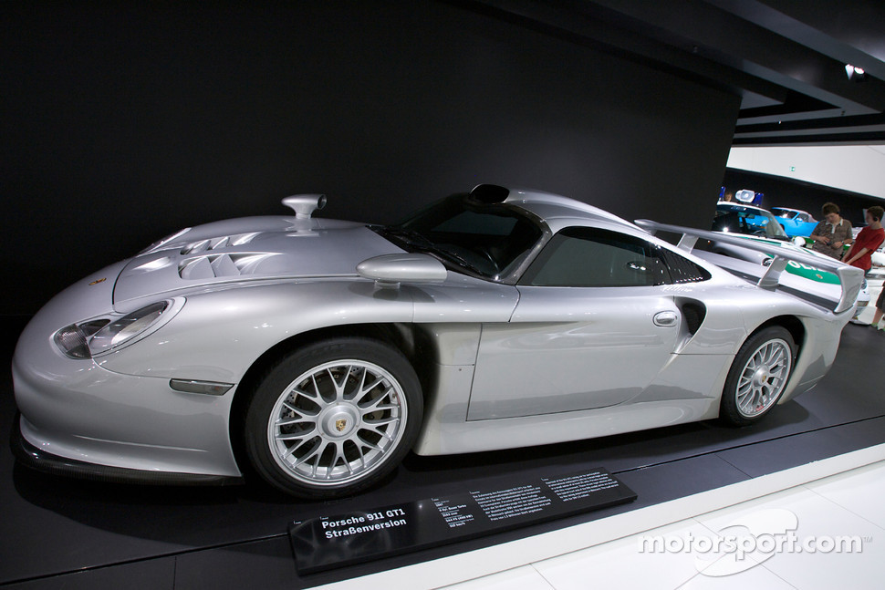 1997 porsche 911 gt1 strassenversion automotive photos main gallery. Black Bedroom Furniture Sets. Home Design Ideas