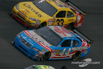 A.J. Allmendinger, Richard Petty Motorsports Dodge and Clint Bowyer, Richard Childress Racing Chevrolet