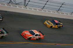 Pace lap: Joey Logano, Joe Gibbs Racing Toyota and Jamie McMurray, Roush Fenway Racing Ford
