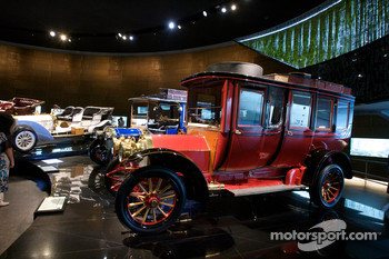 Birth of the brand: 1908 75 hp Mercedes double phaeton
