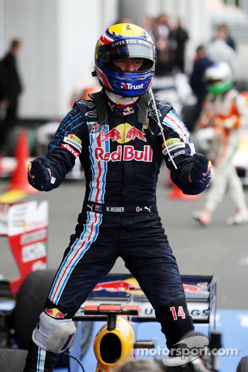 Race winner Mark Webber, Red Bull Racing celebrates