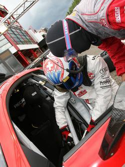 Marcel Fässler, Phoenix Racing, Audi R8 LMS at pitstop