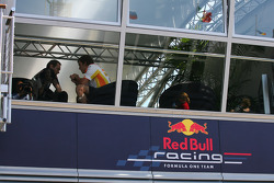 Fernando Alonso, Renault F1 Team in the Red Bull Motorhome