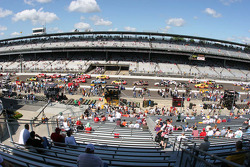 Cars are gridden on the front straight for the Allstate 400 at The Brickyard