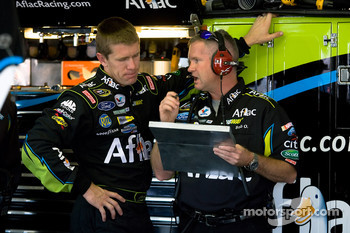 Carl Edwards, Roush Fenway Racing Ford talks with his crew chief, Bob Osborne