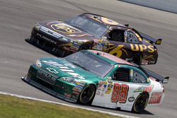 Dale Earnhardt Jr., Hendrick Motorsports Chevrolet, David Ragan, Roush Fenway Racing Ford