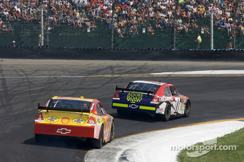 Andy Lally, TRG Motorsports Chevrolet, Kevin Harvick, Richard Childress Racing Chevrolet