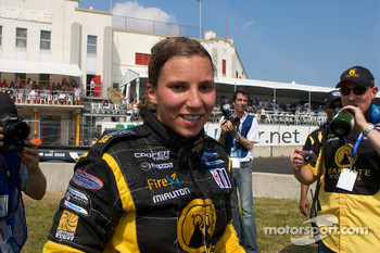 Podium: race winner Simona De Silvestro, Team Stargate Worlds