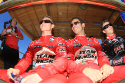 Drivers presentation: Ryan Briscoe, Team Penske, Helio Castroneves, Team Penske