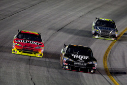 Jeff Gordon, Hendrick Motorsports Chevrolet, Martin Truex Jr., Earnhardt Ganassi Racing Chevrolet and Jimmie Johnson, Hendrick Motorsports Chevrolet
