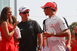Rubens Barrichello, BrawnGP, Lewis Hamilton, McLaren Mercedes