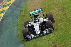Nico Rosberg, Mercedes AMG F1 Team W07, fährt einen weiten Weg