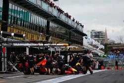 Daniel Ricciardo, Red Bull Racing RB12 in the pitlane