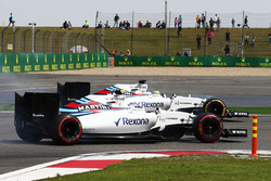Valtteri Bottas, Williams FW38 and Felipe Massa, Williams FW38 battle for position