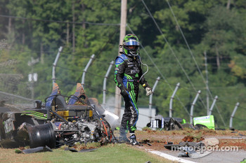 Major crash for #9 Patron Highcroft Racing Acura ARX-02a Acura: Scott Sharp out of the car