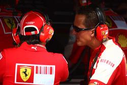 Felipe Massa, Scuderia Ferrari talks with Michael Schumacher, Test Driver, Scuderia Ferrari