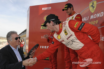 Ferrari Challenge: Philipp Baron receives his prize from Piero Ferrari