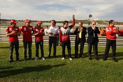 Luca Badoer, Giancarlo Fisichella, Felipe Massa, Luca di Montezemolo, Fernando Alonso, Piero Ferrari and Stefano Domenicali