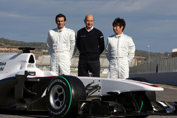 Pedro de la Rosa, BMW Sauber F1 Team, Peter Sauber, BMW Sauber F1 Team, Team Principal, and Kamui Kobayashi, BMW Sauber F1 Team with the C29