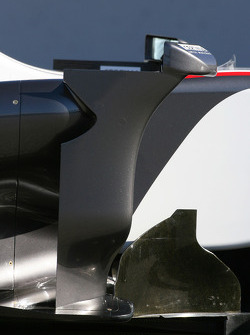 The new BMW Sauber C29, side