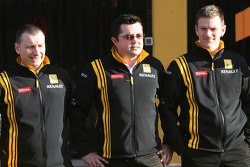 Bob Bell, Renault F1 Team, Team's managing director, Eric Boullier, Team Principal, Renault F1 Team and Rob Wright