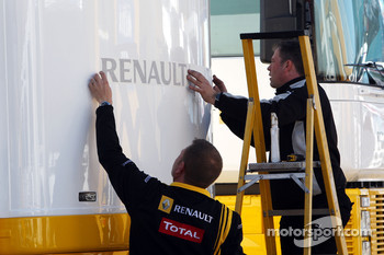 Renault put stickers on there motorhome