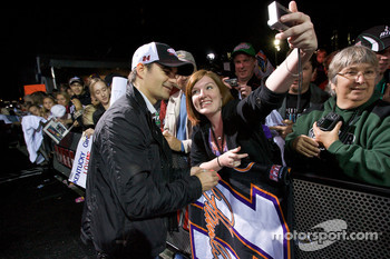Jeff Gordon, Hendrick Motorsports Chevrolet signs autographs