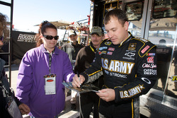 Ryan Newman, Stewart-Haas Racing Chevrolet signs autographs