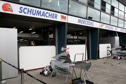 Race preparations, the garage of Michael Schumacher, Mercedes GP