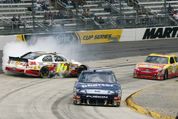 Greg Biffle, Roush Fenway Racing Ford spins