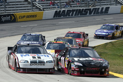Sam Hornish Jr., Penske Racing Dodge and Denny Hamlin, Joe Gibbs Racing Toyota